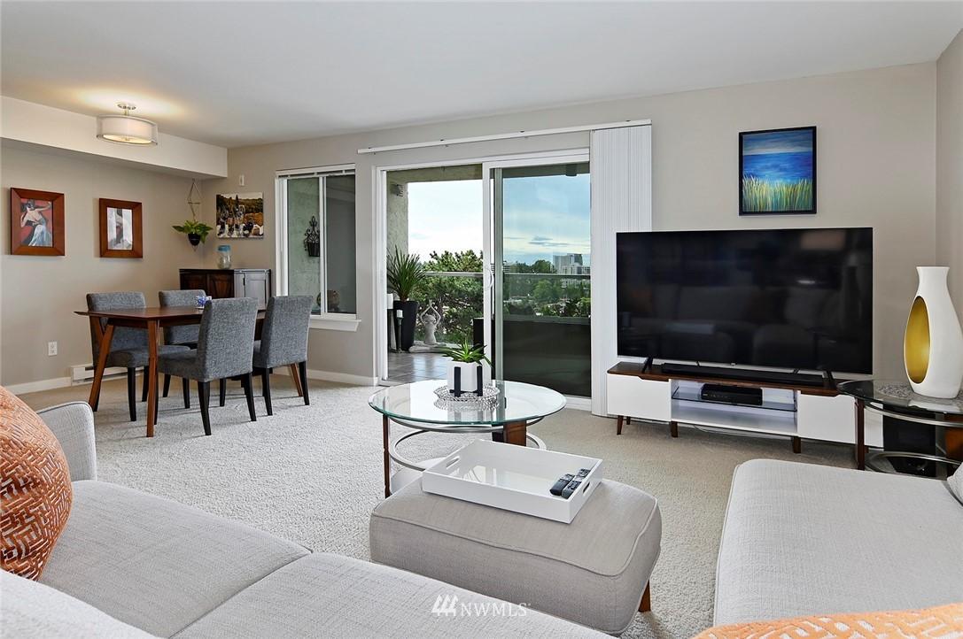 Sold Property | 701 122nd Avenue NE #204 Bellevue, WA 98005 12