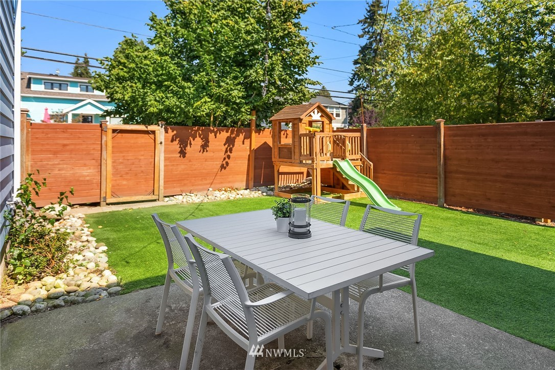 Sold Property | 7556 13th Avenue NW Seattle, WA 98117 21