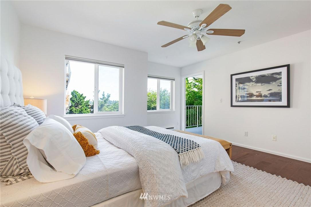 Sold Property | 2419 8th Avenue N #201 Seattle, WA 98109 13