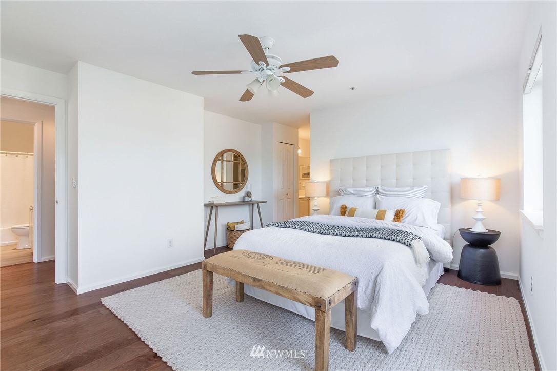 Sold Property | 2419 8th Avenue N #201 Seattle, WA 98109 12