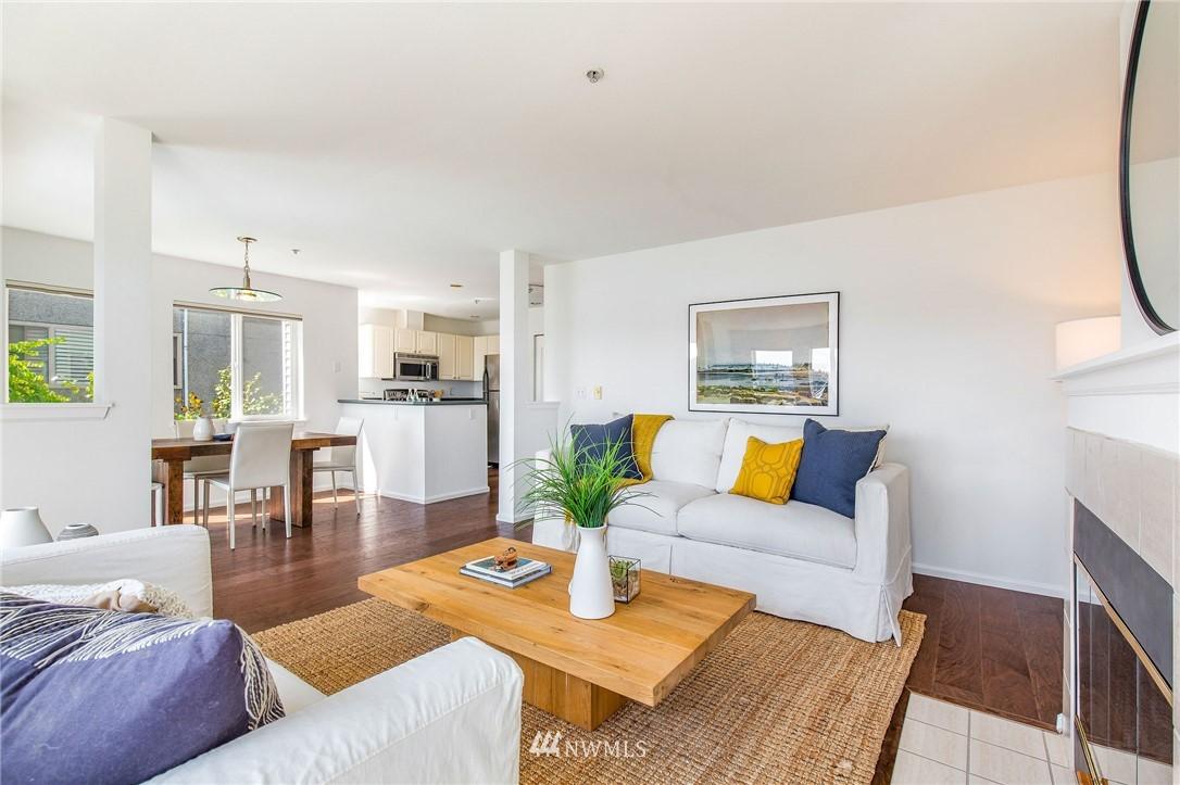 Sold Property | 2419 8th Avenue N #201 Seattle, WA 98109 4