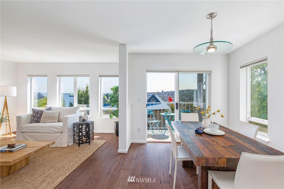 Sold Property | 2419 8th Avenue N #201 Seattle, WA 98109 7