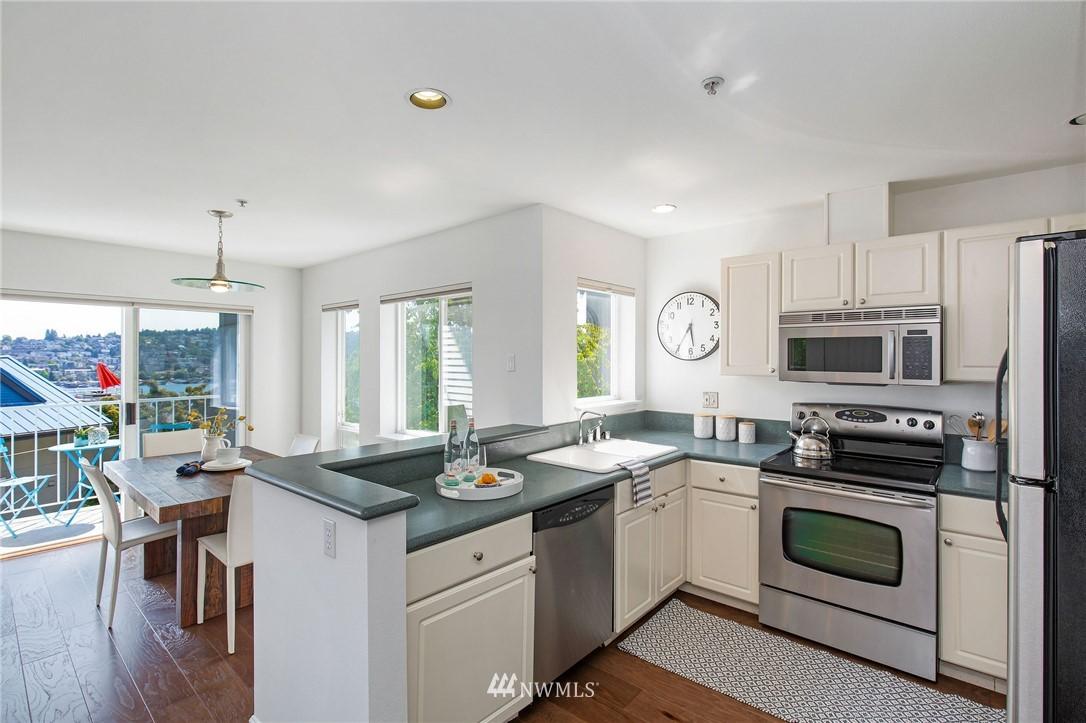 Sold Property | 2419 8th Avenue N #201 Seattle, WA 98109 11