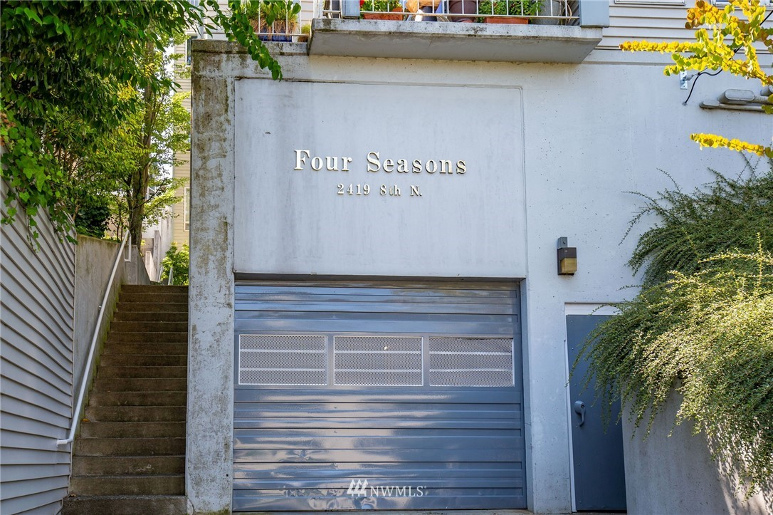 Sold Property | 2419 8th Avenue N #201 Seattle, WA 98109 16