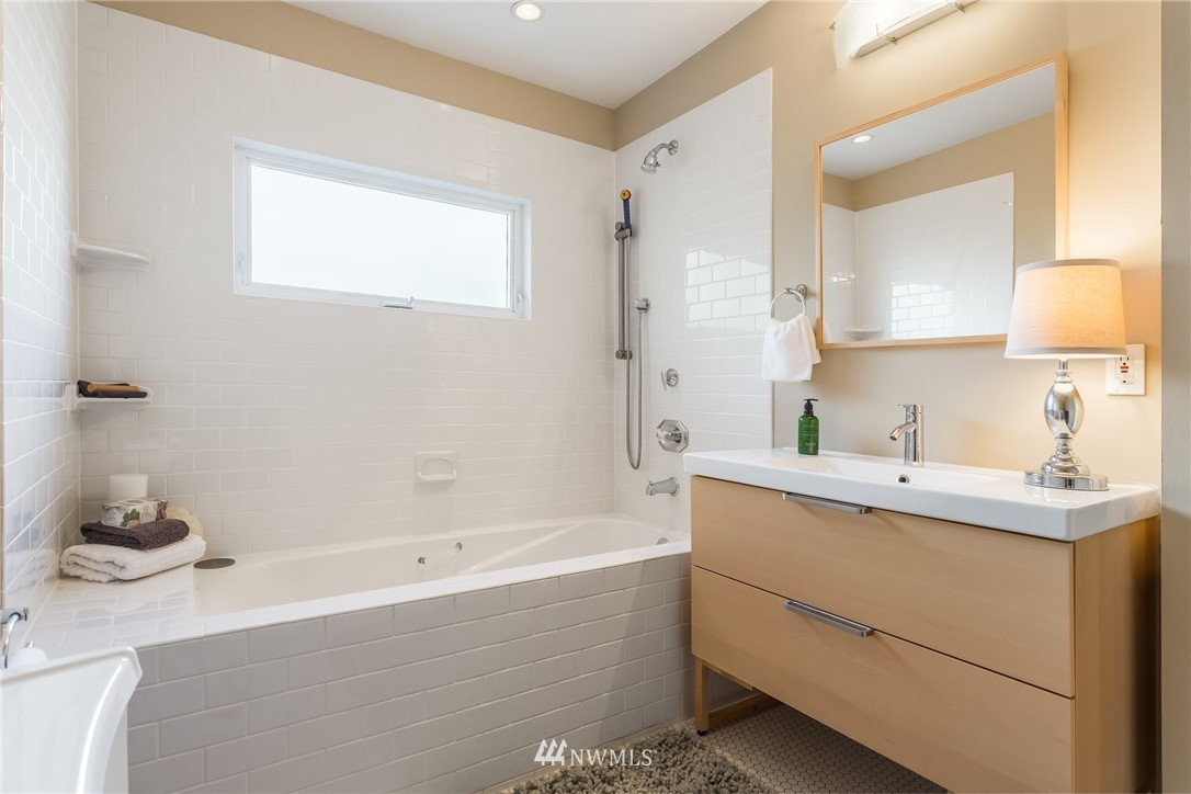 Sold Property | 3711 41st Avenue S Seattle, WA 98144 15