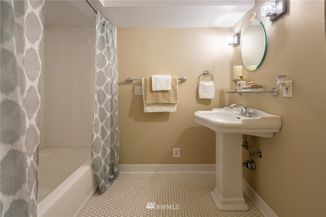 Sold Property | 3711 41st Avenue S Seattle, WA 98144 22