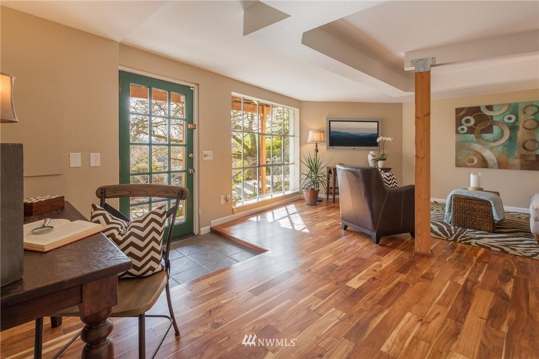 Sold Property | 3711 41st Avenue S Seattle, WA 98144 16