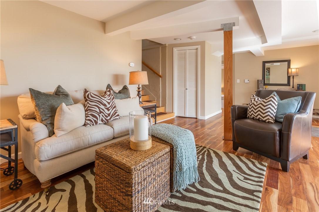 Sold Property | 3711 41st Avenue S Seattle, WA 98144 17
