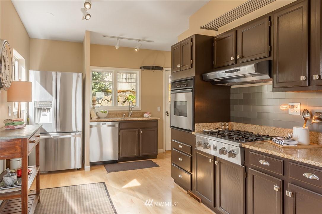 Sold Property | 3711 41st Avenue S Seattle, WA 98144 10