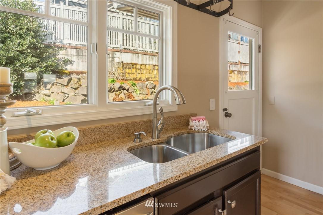 Sold Property | 3711 41st Avenue S Seattle, WA 98144 12