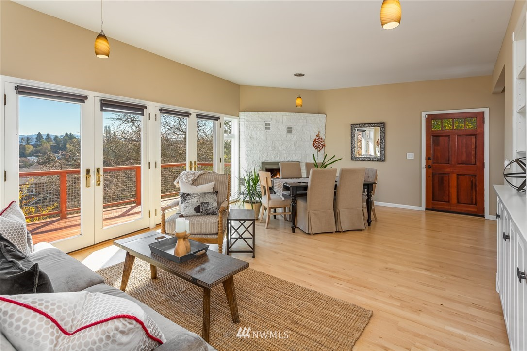 Sold Property | 3711 41st Avenue S Seattle, WA 98144 8