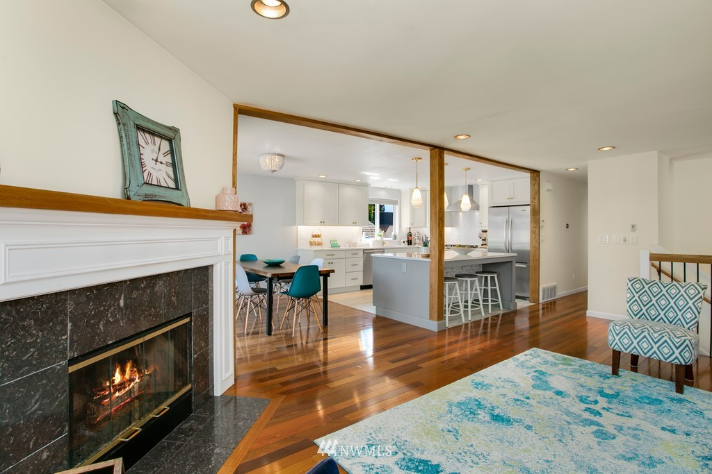 Sold Property | 3239 Walnut Avenue SW Seattle, WA 98116 4