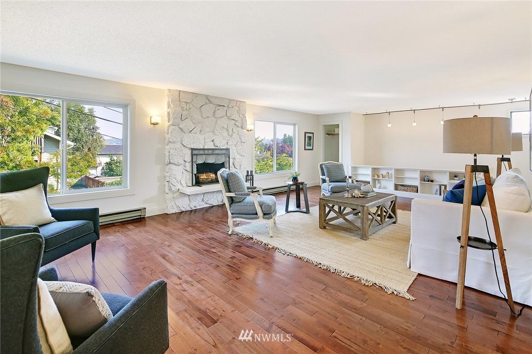 Sold Property | 2601 21st Avenue S Seattle, WA 98144 2