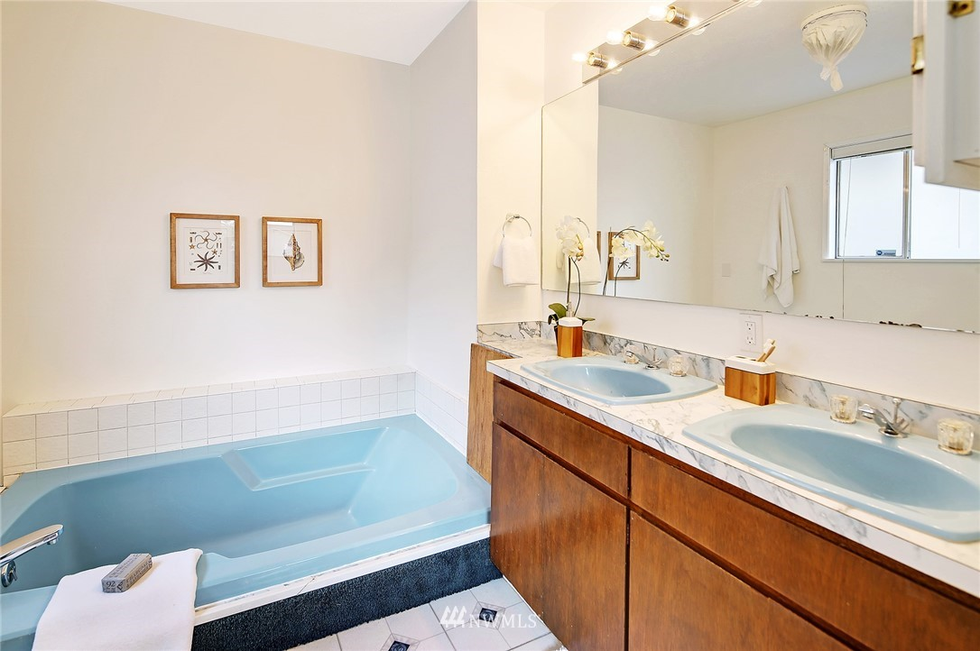 Sold Property | 2601 21st Avenue S Seattle, WA 98144 10