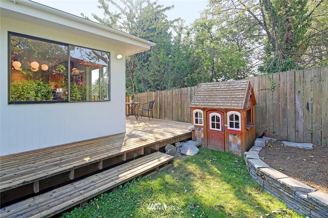 Sold Property | 2601 21st Avenue S Seattle, WA 98144 20