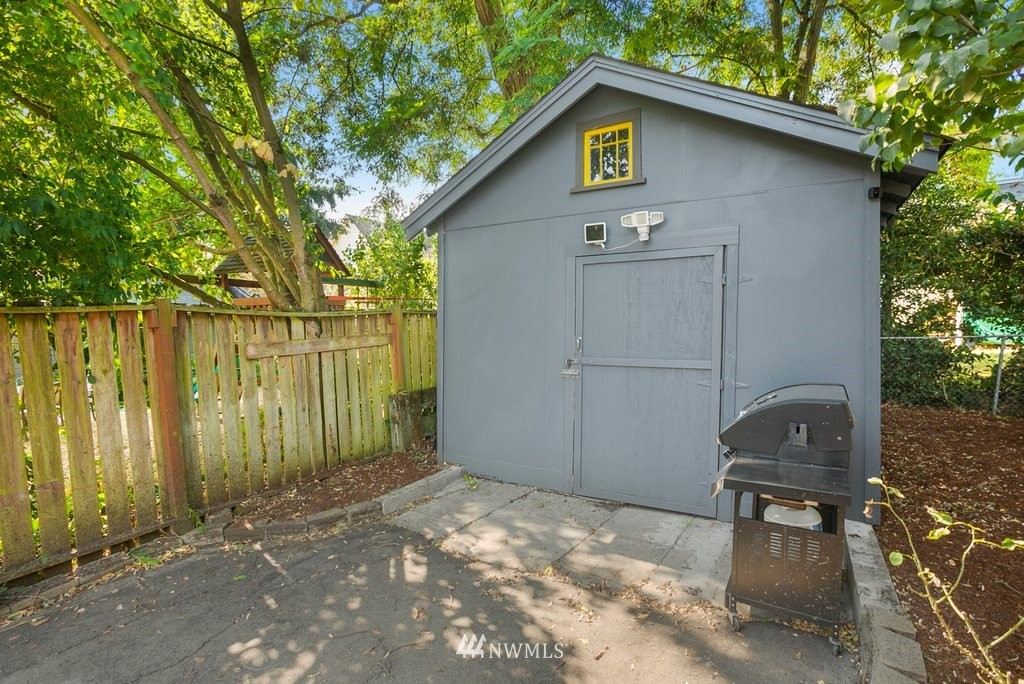 Sold Property | 5819 7th Avenue NW Seattle, WA 98107 22