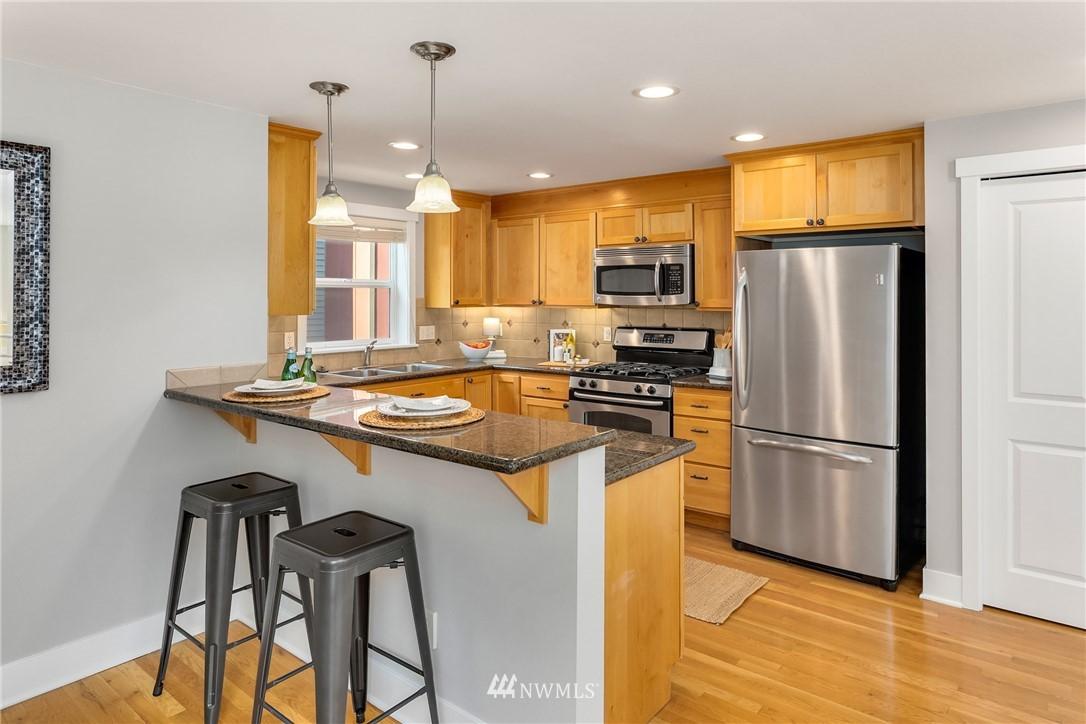 Sold Property | 3824 Whitman Avenue N #A Seattle, WA 98103 7