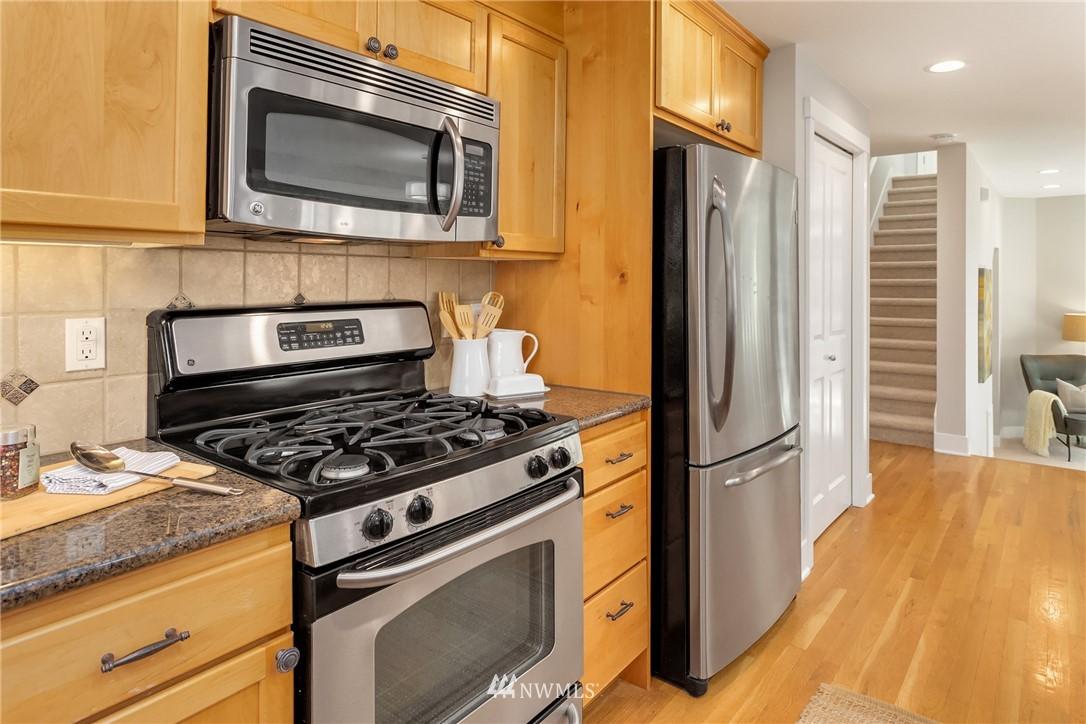 Sold Property | 3824 Whitman Avenue N #A Seattle, WA 98103 9