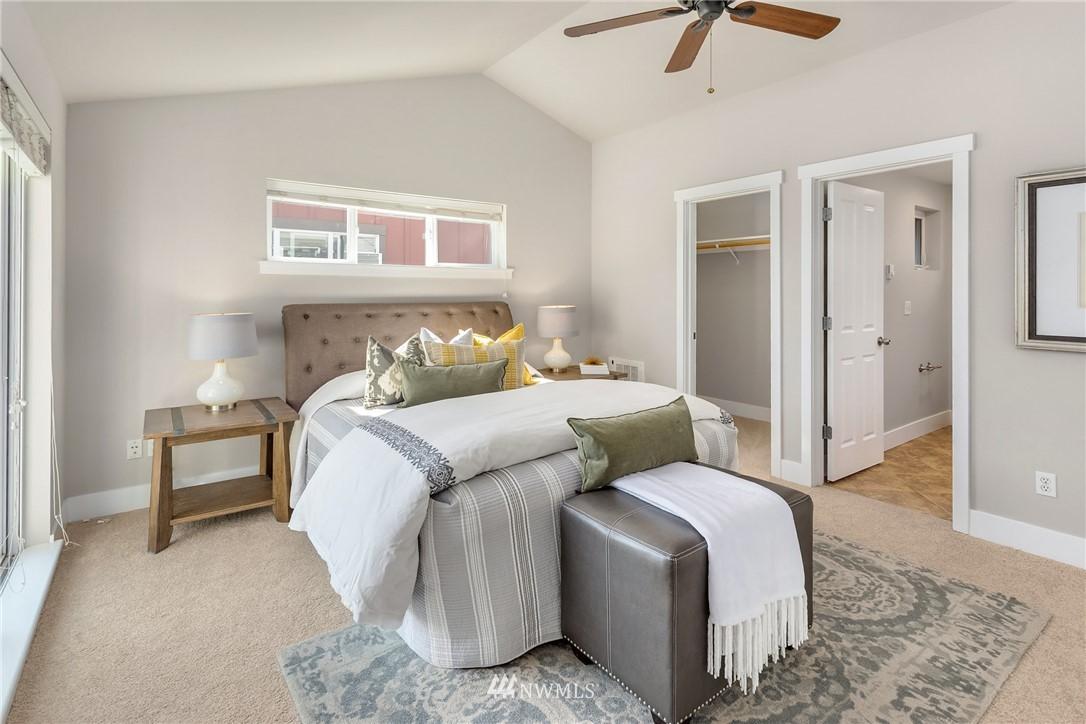 Sold Property | 3824 Whitman Avenue N #A Seattle, WA 98103 10