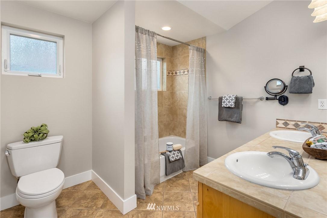 Sold Property | 3824 Whitman Avenue N #A Seattle, WA 98103 12