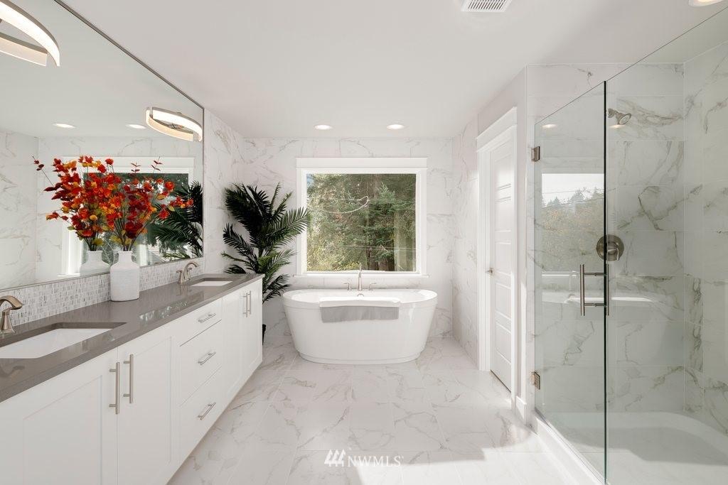 Sold Property | 1403 NW 198th Street Shoreline, WA 98177 2