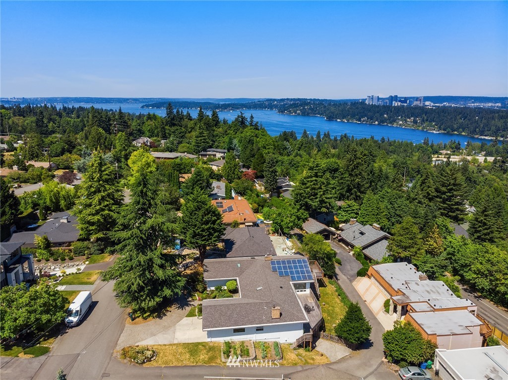 Sold Property | 4120 94th Avenue SE Mercer Island, WA 98040 4