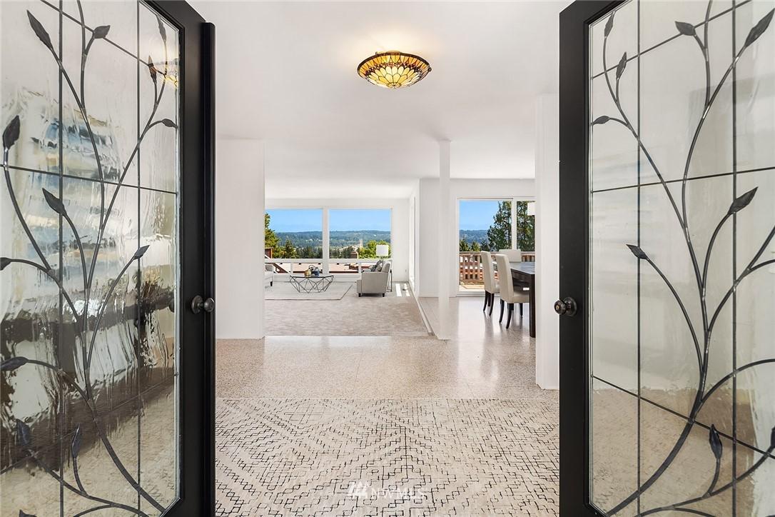 Sold Property | 4120 94th Avenue SE Mercer Island, WA 98040 5
