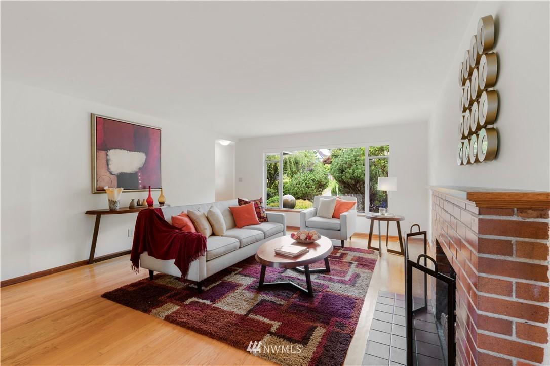 Sold Property | 7016 Brighton Lane S Seattle, WA 98118 4