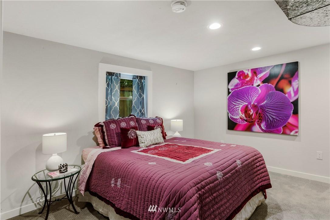 Sold Property | 7016 Brighton Lane S Seattle, WA 98118 18
