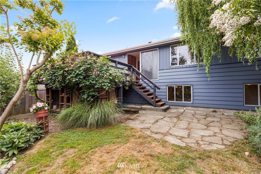 Sold Property | 7016 Brighton Lane S Seattle, WA 98118 22