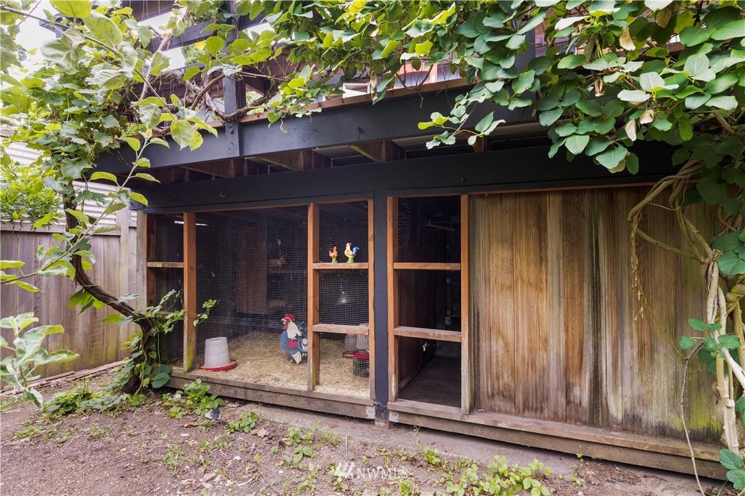 Sold Property | 7016 Brighton Lane S Seattle, WA 98118 24
