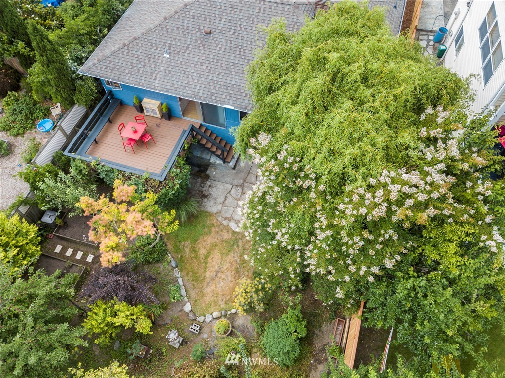 Sold Property | 7016 Brighton Lane S Seattle, WA 98118 27