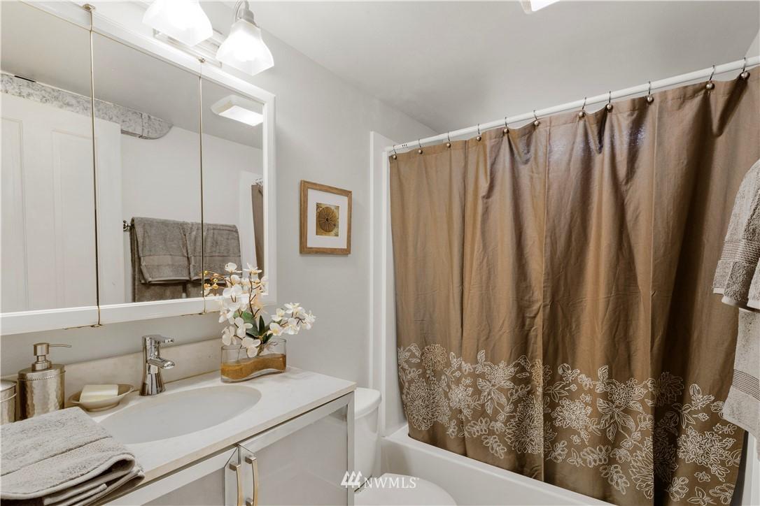 Sold Property | 7016 Brighton Lane S Seattle, WA 98118 20