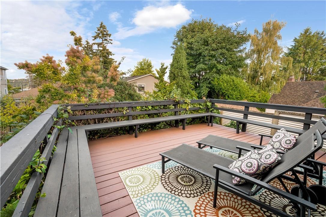 Sold Property | 7016 Brighton Lane S Seattle, WA 98118 9