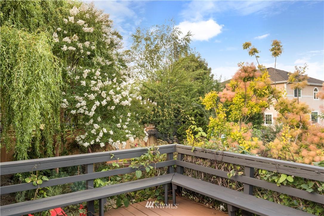 Sold Property | 7016 Brighton Lane S Seattle, WA 98118 10