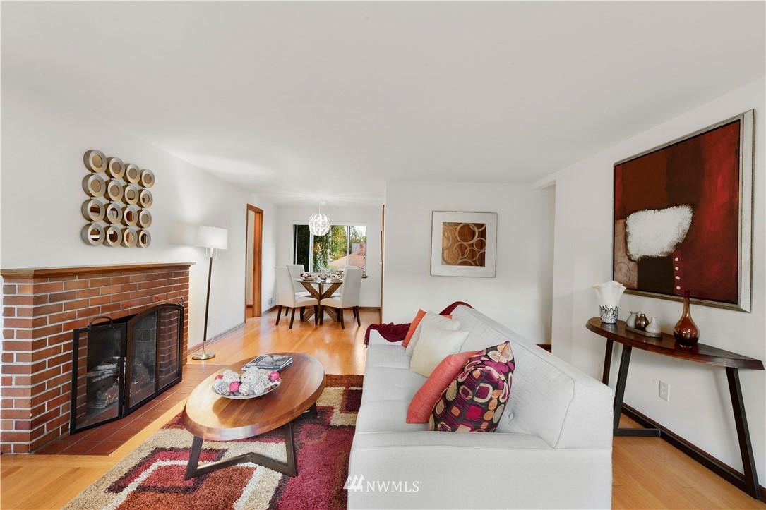 Sold Property | 7016 Brighton Lane S Seattle, WA 98118 3