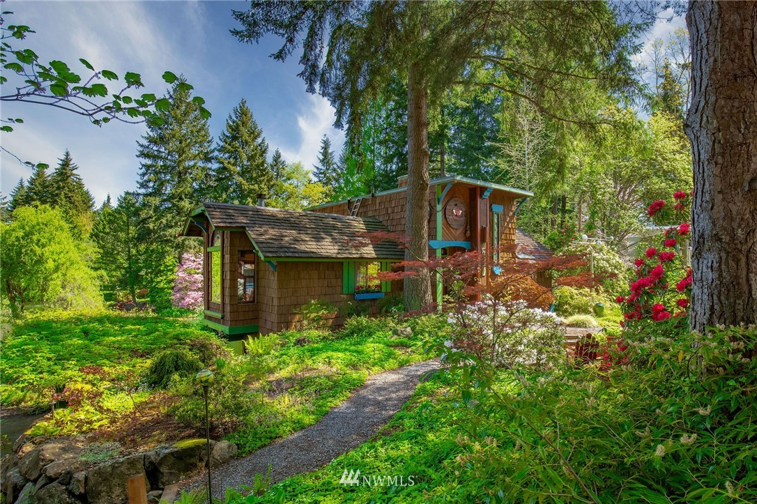Sold Property | 11410 NE 103rd Street Kirkland, WA 98033 3