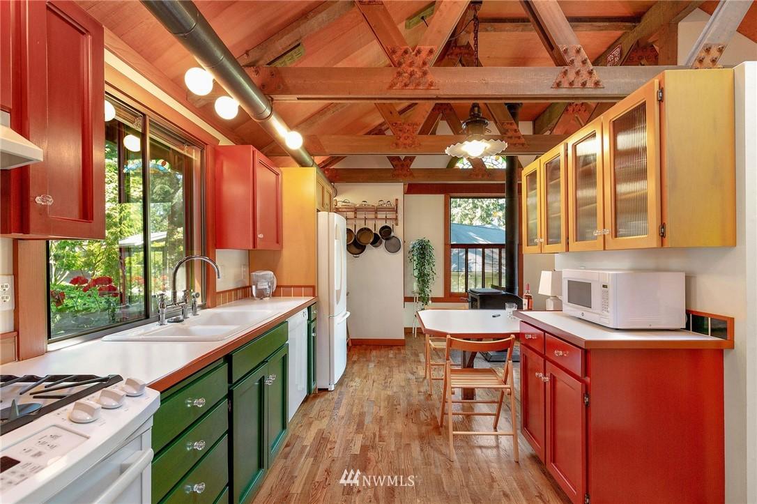 Sold Property | 11410 NE 103rd Street Kirkland, WA 98033 16