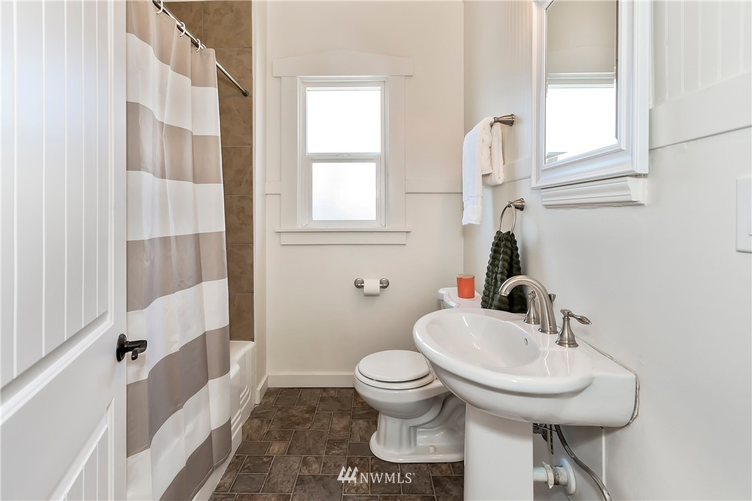 Sold Property   233 5th Street Bremerton, WA 98337 14