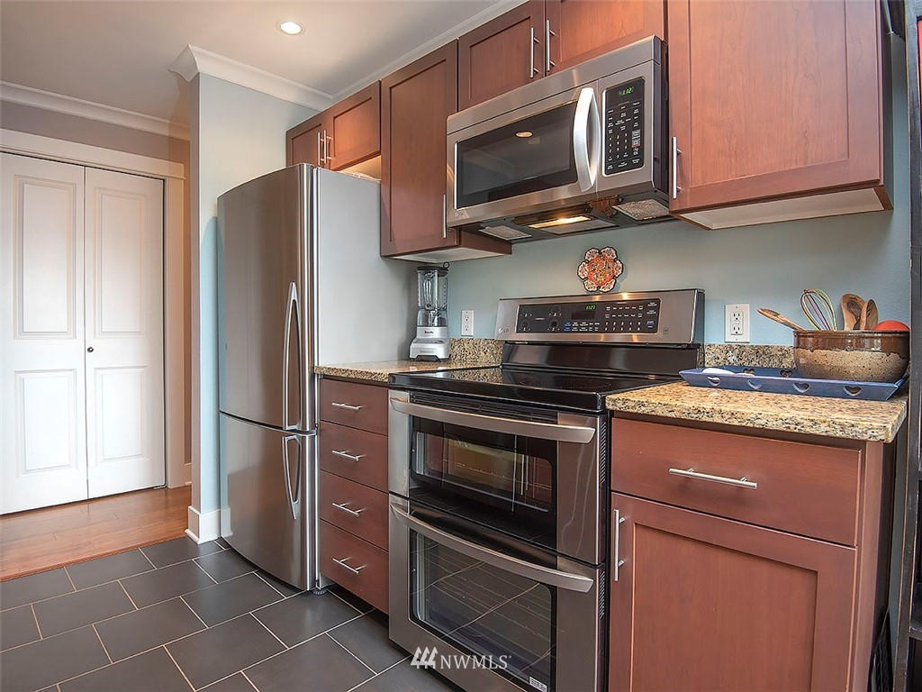 Sold Property | 2830 NW 56th #303 Seattle, WA 98107 4