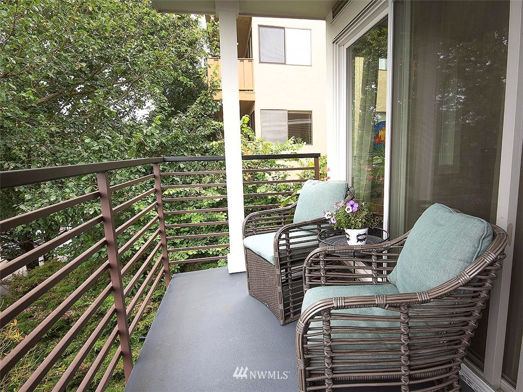 Sold Property | 2830 NW 56th #303 Seattle, WA 98107 9