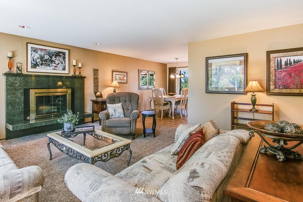 Sold Property | 13501 39th Avenue NE Seattle, WA 98125 2