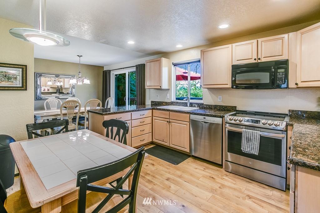 Sold Property | 13501 39th Avenue NE Seattle, WA 98125 4