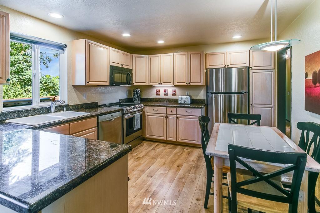 Sold Property | 13501 39th Avenue NE Seattle, WA 98125 5