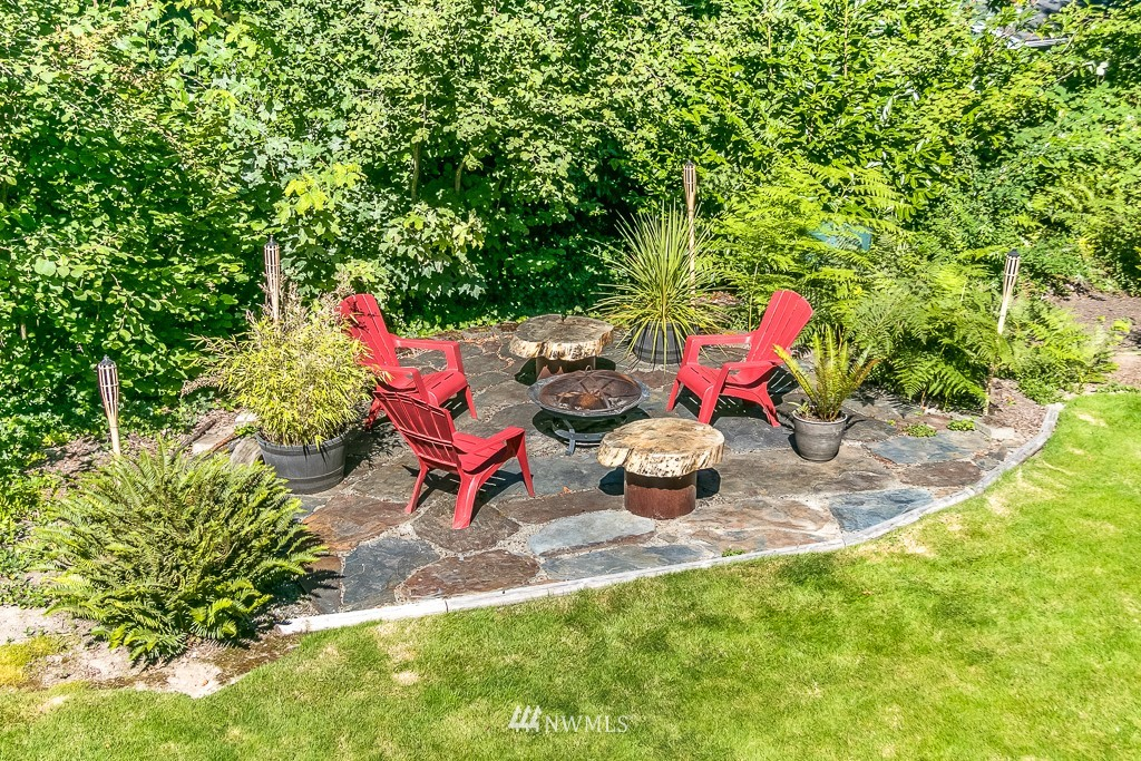 Sold Property | 13501 39th Avenue NE Seattle, WA 98125 20