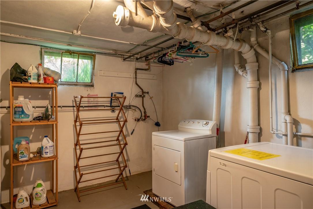 Sold Property | 7866 Green Lake Drive N #4 Seattle, WA 98103 15