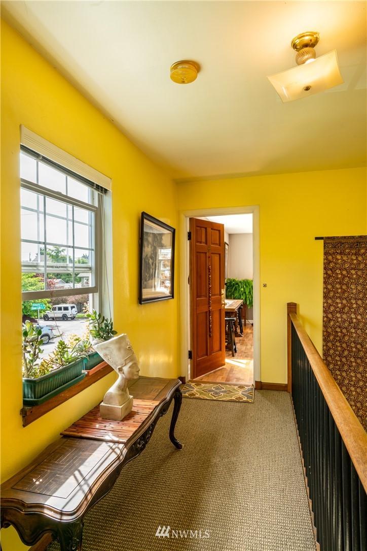Sold Property | 7866 Green Lake Drive N #4 Seattle, WA 98103 2