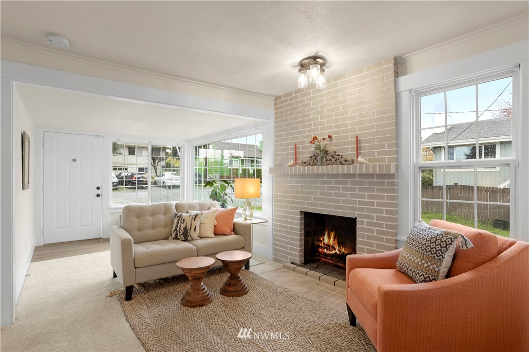 Sold Property   9047 37th Avenue S Seattle, WA 98118 3