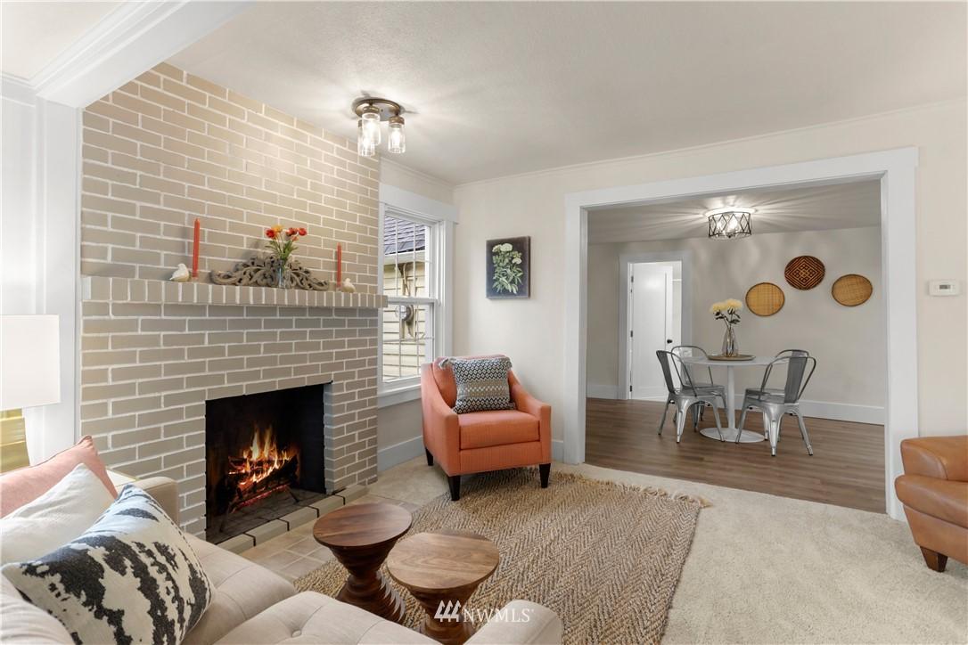 Sold Property   9047 37th Avenue S Seattle, WA 98118 4