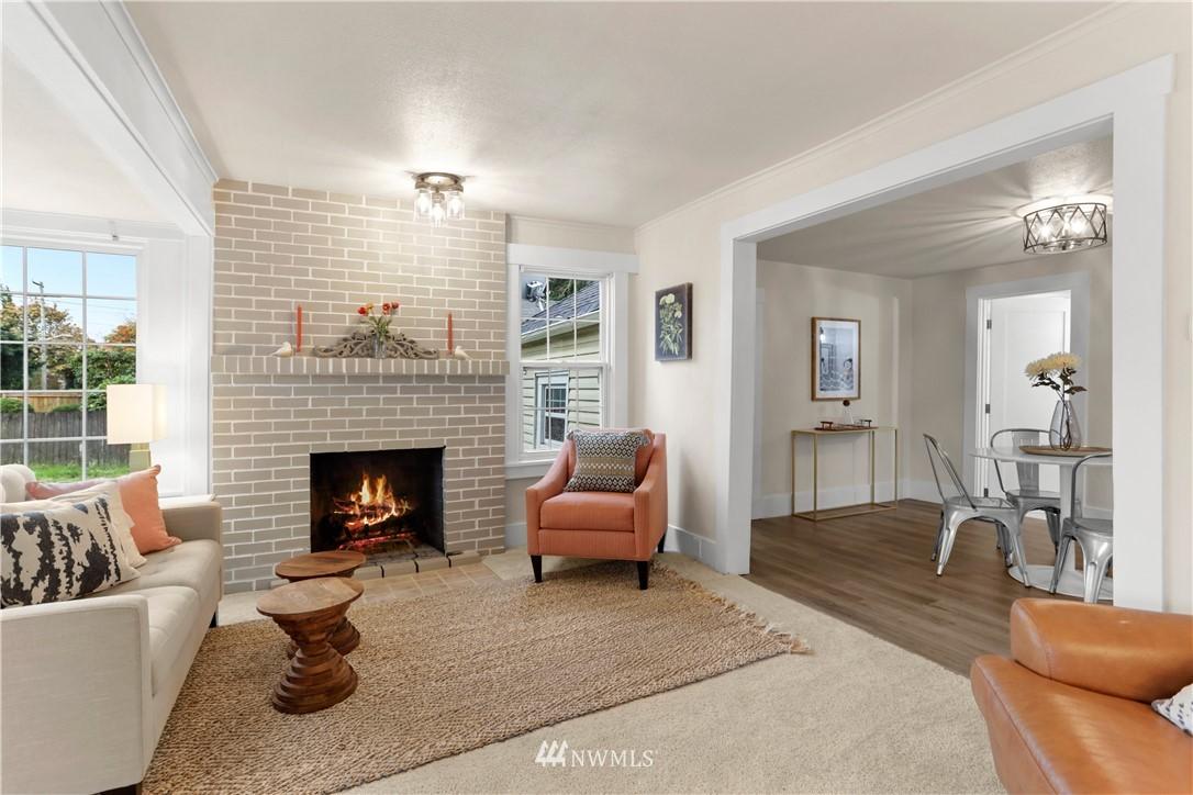 Sold Property   9047 37th Avenue S Seattle, WA 98118 5